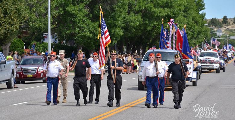 slideshow-Visit-Roundup-Montana-Veterans-Parade