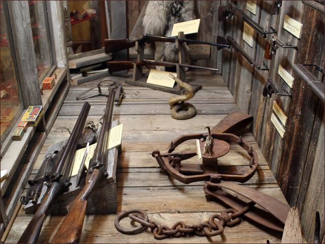 Montana Antique Rifle Antique Pistols